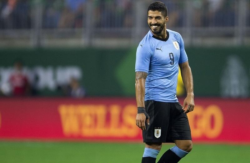 Luis Suárez se aleja de la Juventus