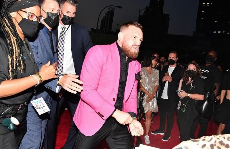 Pleito en los MTV Video Music Awards: McGregor vs novio de Megan Fox (+video/foto)
